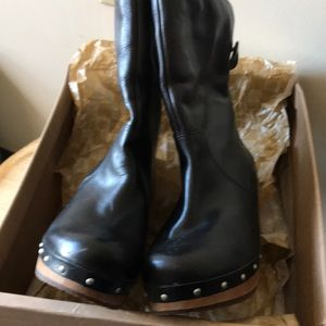 "UGG ""Lynnea"" Black Leather Boots Size 7"